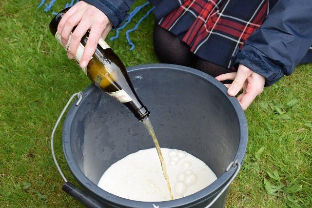 2empty-beer-in-bucket