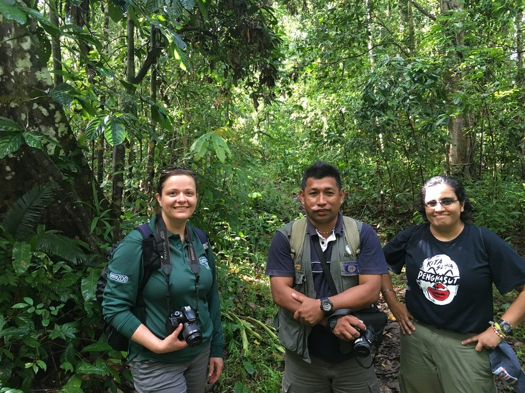 Jenny with some of the HUTAN team in the rainforest
